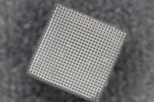 Zwei-Photonenpolymerisation eines Urethan-Methacrylates
