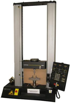 Abbildung einer Universalprüfmaschine Instron 4469 mit Dreipunktbiegevorrichtung