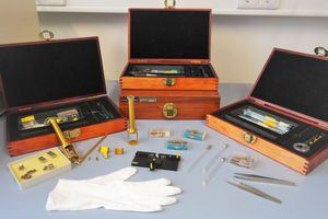 Various accessories and tools for the DMA 7e / TMA 7 are shown.